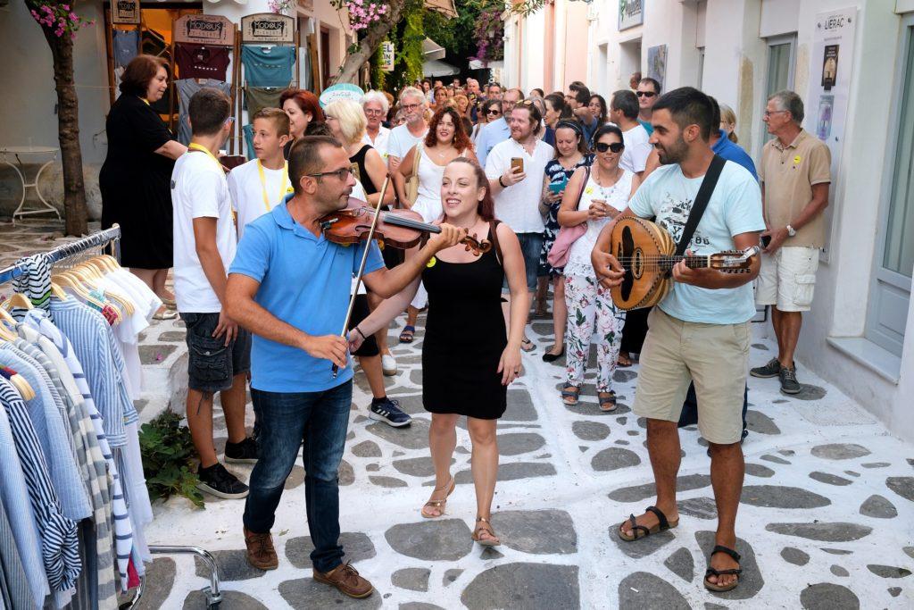 Festival de Paros - Amusez-vous avec la communauté locale